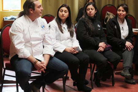 Estudiantes del Liceo de Hotelería reciben clase  con chef destacado