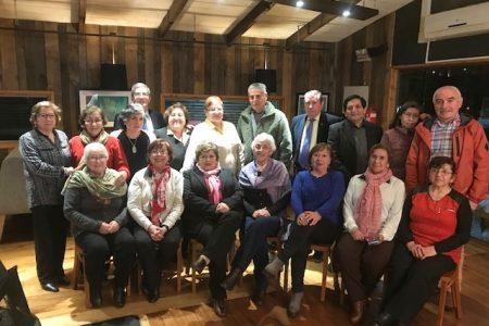 Profesores jubilados celebran su día con una cena de camaradería